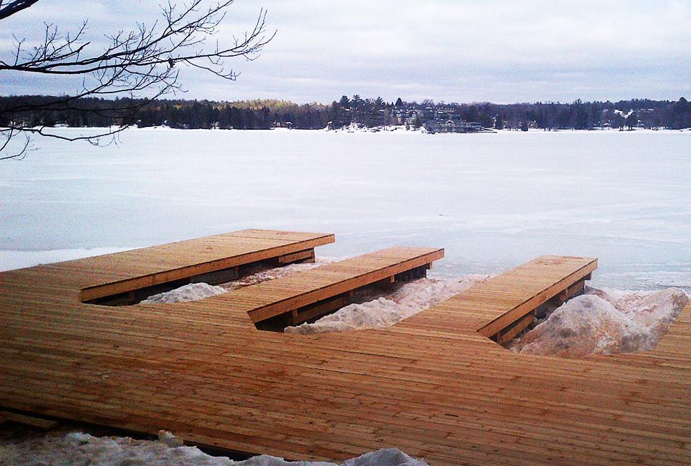 Dock Building – Summer or Winter?